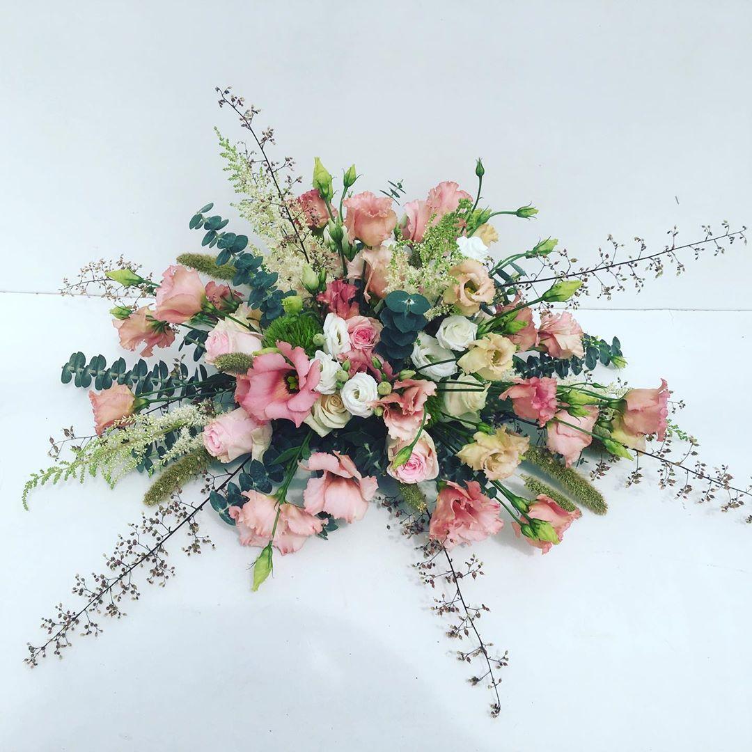 Foto rouwstuk De Bloemenloods Beneflor zachte kleuren update website