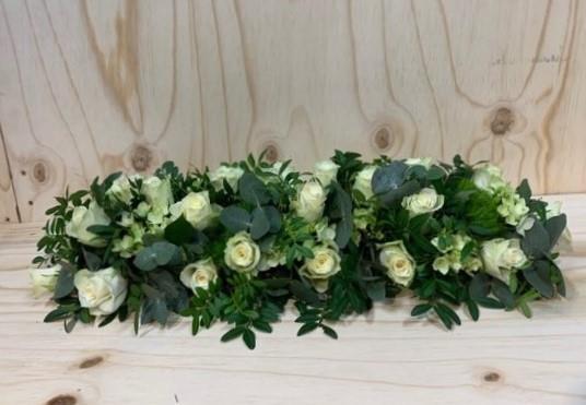 Begrafenis tafelstuk altaarstuk met rozen