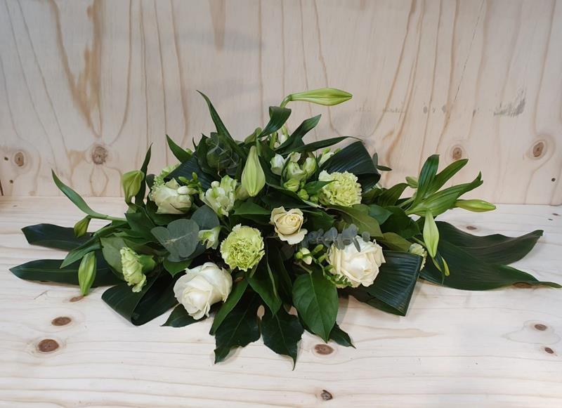 Begrafenis tafelstuk witte lelies