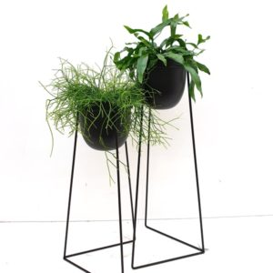 Metalen plantenstaander